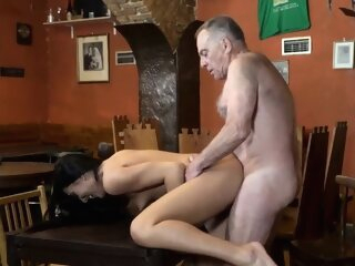 Old fuck girl Can you trust your gf leaving her alone with y brunette 3movs