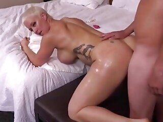 Naomi first scene anal 3movs